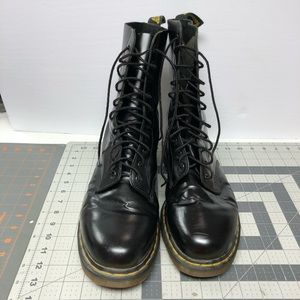 Tall black Dr Martens boots lightly worn